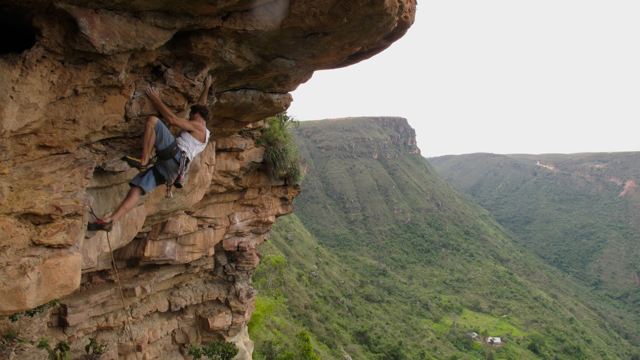 Alain climbing in Colombia