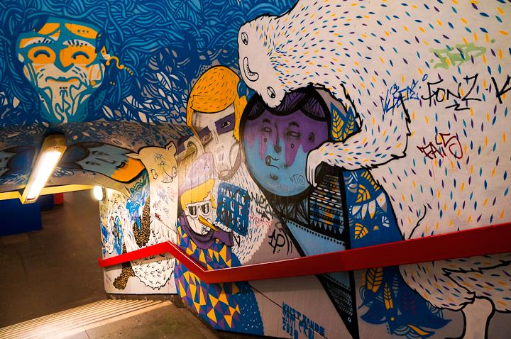 Arte Urbano en Berlín en la estación de U-Bahn Schloss Strasse
