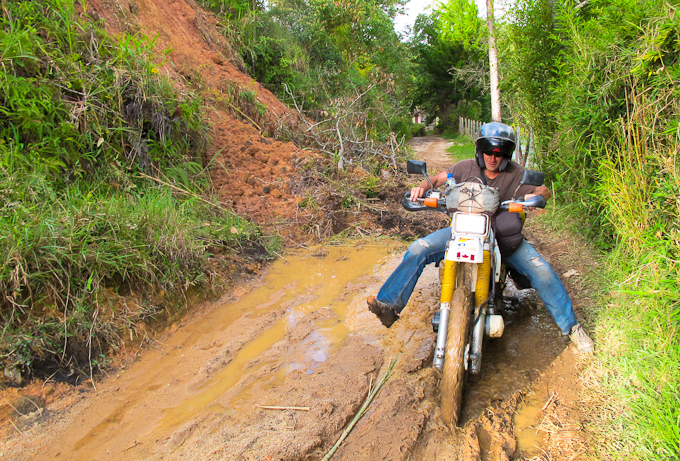 Travel in Colombia: Muddy roads