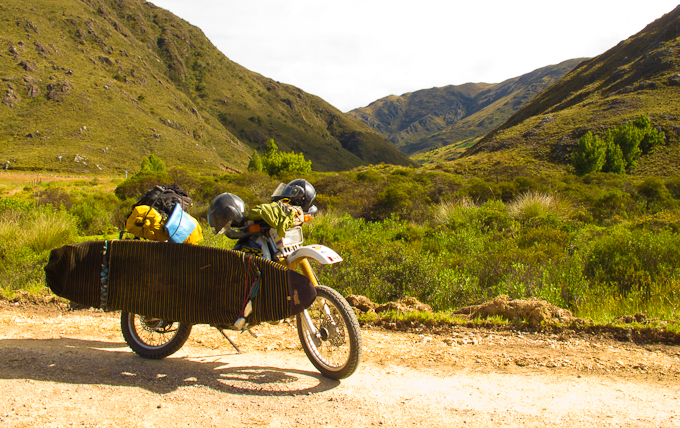 Traveling with a surfboard on a motorbike around Colombia